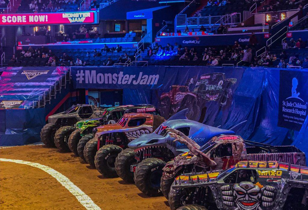 Monster Jam Triple Threat Trucks