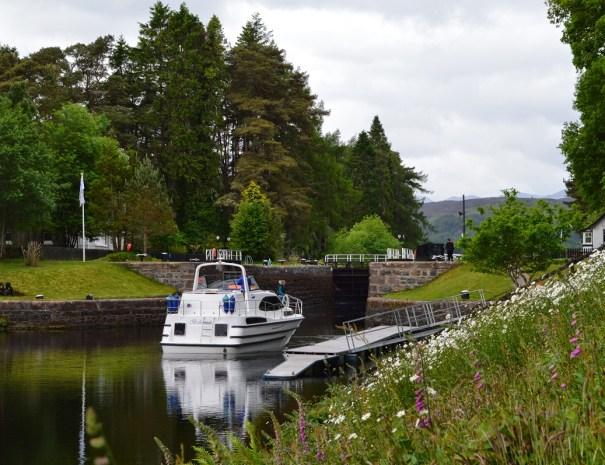 Great Glen Way by boat