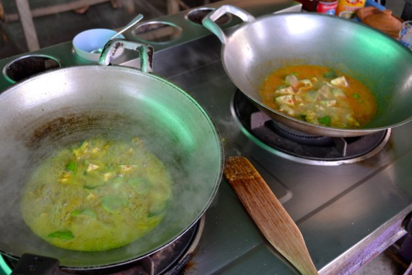 green and red curry cooking class
