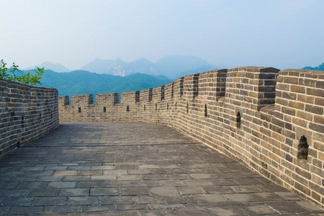 Hiking the Great Wall no tourists