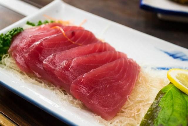 tuna sashimi Japan
