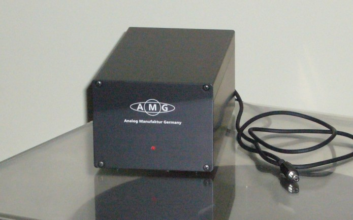 AMG001
