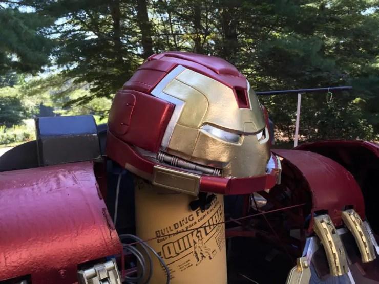 iron-man-hulkbuster-cosplay-13
