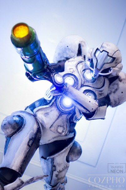 light-suit-samus-cosplay-8