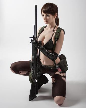 metal-gear-solid-v-quiet-cosplay-tniwe-2