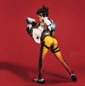 overwatch-tracer-cosplay-by-amouranth-6