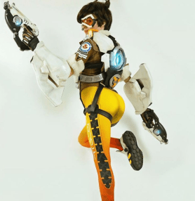 overwatch-tracer-cosplay-by-amouranth-7