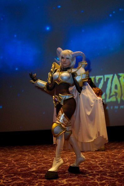 world-of-warcraft-yrel-cosplay-by-sinme-4