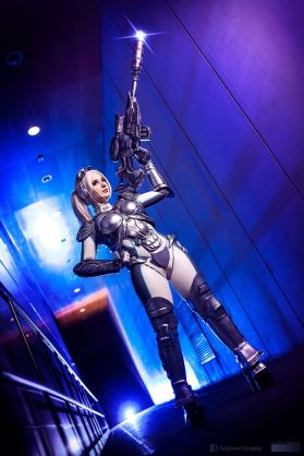 starcraft-ghost-cosplay-by-calypsen-3