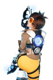 overwatch-tracer-cosplay-by-tasha-4