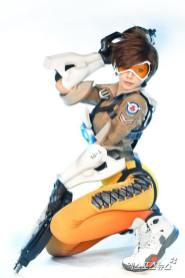 overwatch-tracer-cosplay-by-tasha