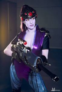 overwatch-widowmaker-cosplay-by-reilena-5