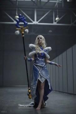 dota-2-crystal-maiden-cosplay-by-akina-gasai-11
