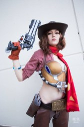 overwatch-mccree-cosplay-by-holly-lauryn-4