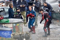 avengers-4-cap-chris-evans-ant-man-laughing