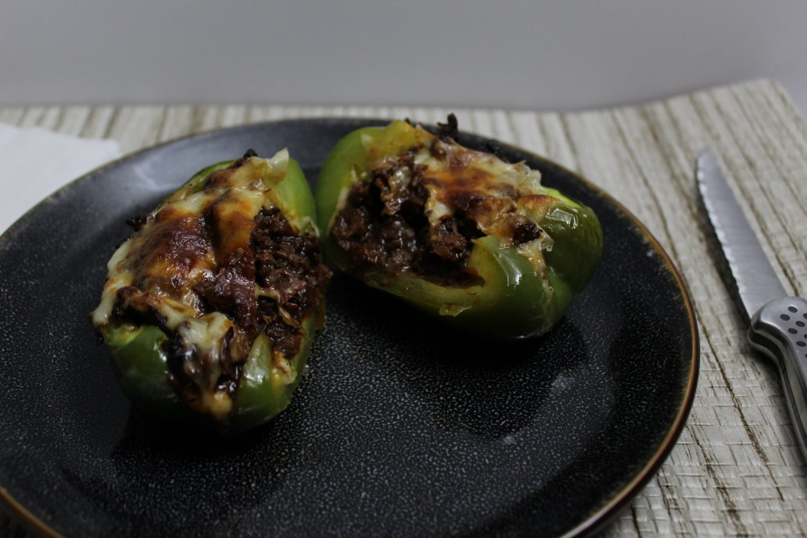 Slow Cooker Philly Cheese Steak Stuffed Peppers