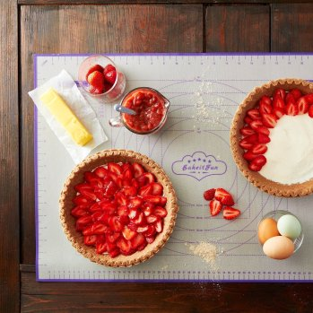 pie on baking mat