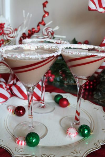 Full of chocolate and peppermint, this chocolate peppermint martini is good to the last drop! Similar to an andes mint making is creamy and satisfying with a hint of minty freshness. The perfect after dinner cocktail for your next Christmas party!
