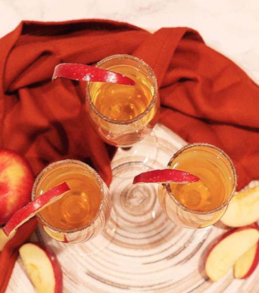 apple cider mimosas are rich in flavors of apples and cinnamon with a hint of bubbles. It makes for a great party drink at any holiday party.