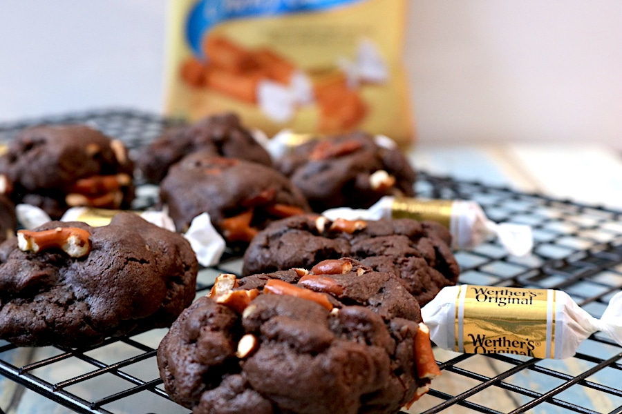 A fantastic sweet n salty combination loaded into this delicious cookie. Chocolate cookie stuffed with caramel and pretzel bits. These cookies are in every sense a mouthful of deliciousness! - Adventuresofb2.com