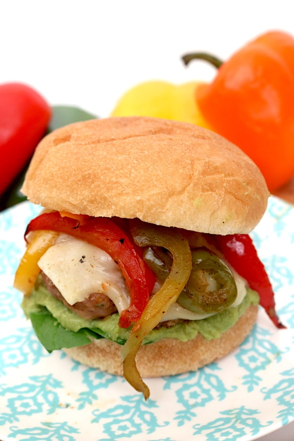turkey fajita burgers are great alternative to regular cheeseburgers. They are flavorful, juicy burgers with onions and peppers and options for toppings. - adventuresofb2.com #fajita #burger #dinner