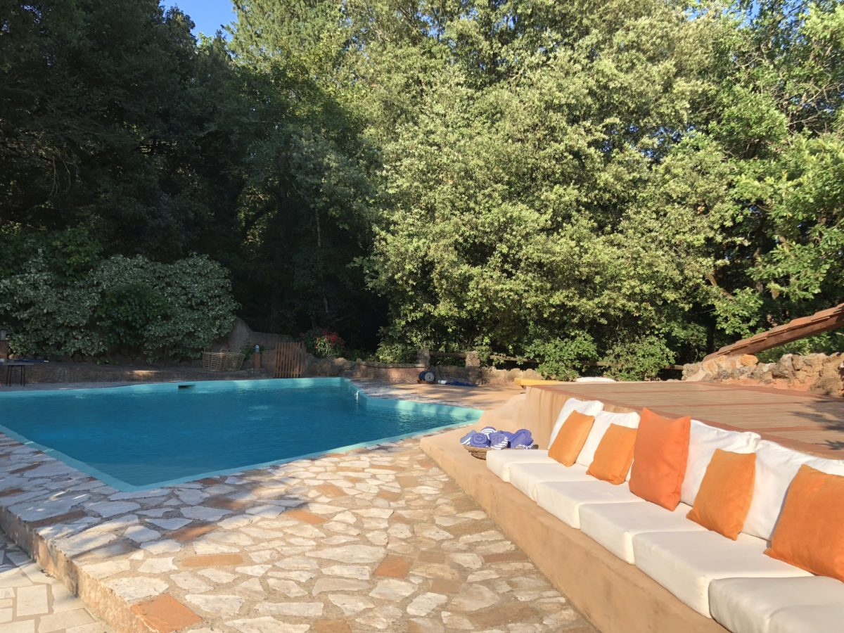 Our Dreamy Life at the Villa on our Trip to Tuscany ~ Our family style feasts, local wines and spritzin'