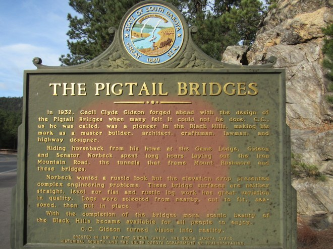 Pigtail Bridge sign along Iron Mountain Road, 11-28-16