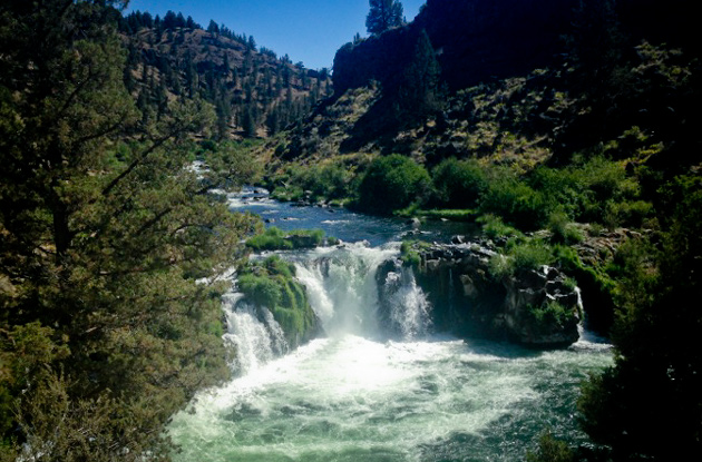 Cliff jumping in Central Oregon at Steelhead Falls | Adventure