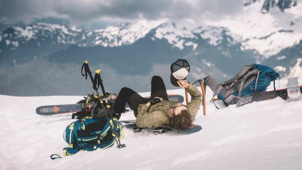 A Guide on How to Ski Bum This Winter