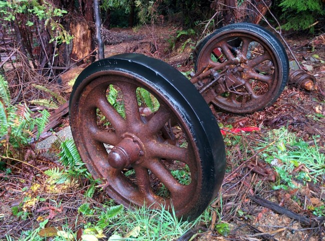 old, solid rubber tread on rusty metal wheel