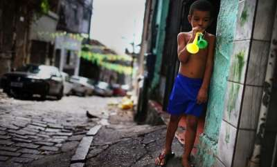 fifa-brazil-the-dark-side-poverty