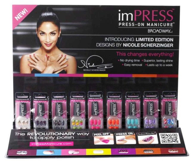 Nicole Scherzinger NAILED it! ImPRESS Press-On Manicure
