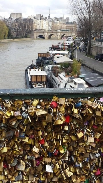 lovers bridge in Paris (photo copyright 2014 Alison Blackman)