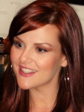 "Sara Rue ""Stephanie Barnett"" from the Big Bang Theory's makeup didn't beat the heat"