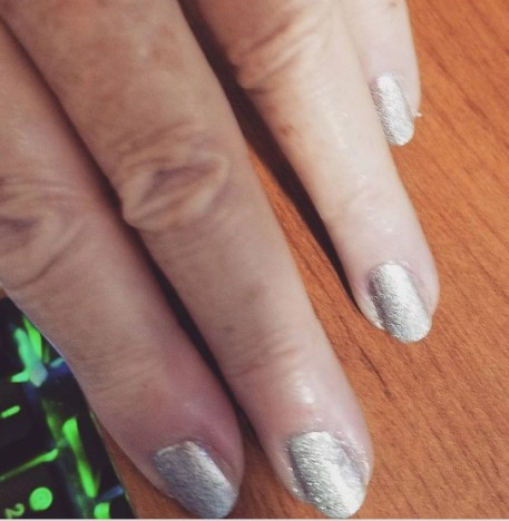 my first attempt at a Spray Perfecta Manicure