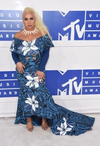 Steal choreographer, Parris Goebel's Big Ponytail Look from the 2016 MTV VMA's Last Night