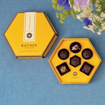 chocolate gahter-chocolate-honeybee-box