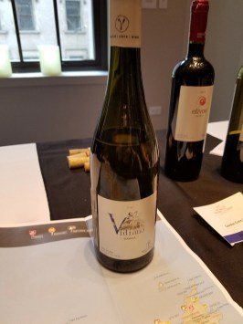 vidiano wine from crete