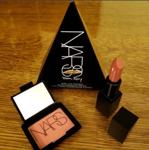 Man RAY FOR NARS LOVE Triangles