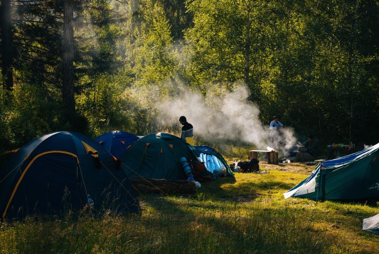 many people camping