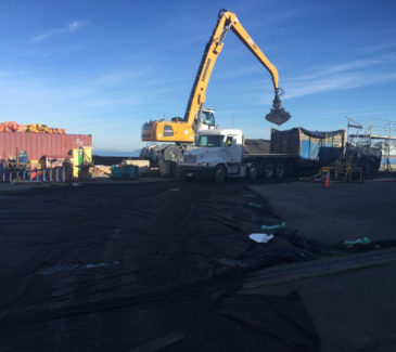 Greys Harbor Dredge - Removing Spoils 2