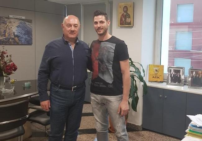 Απόκτηση του Αλέξη Αλβανού στην ομάδα χάντμπολ