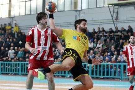 osfp-olympiacos-aek-telikos-final-handball-cup-papadionisiou-papadionysiou-up