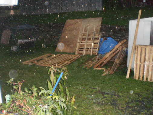 Pallet work in the rain