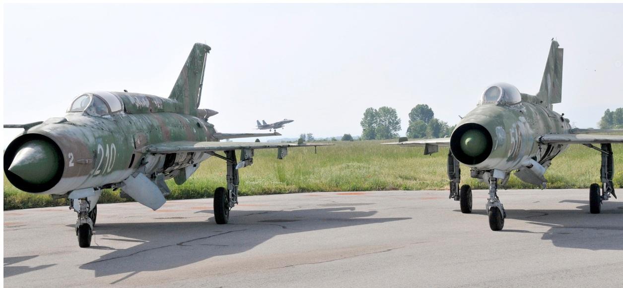 MiG 21 búlgaros (http://www.aereo.jor.br)