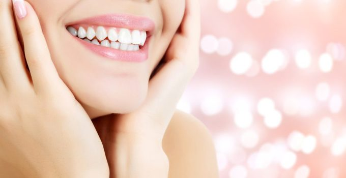 How To Whiten Teeth Naturally