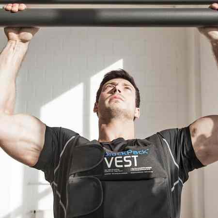 blackPack VEST weight vest Gewichtsweste pull-up Klimmzug exercise