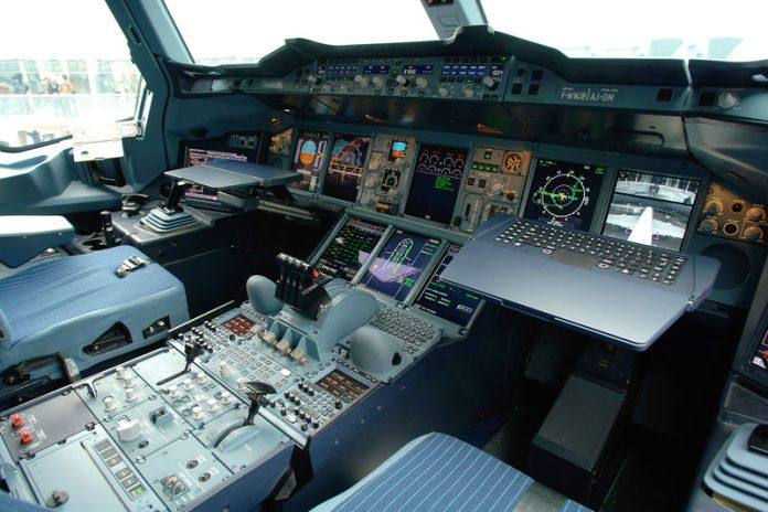 Cockpit do Airbus A380.