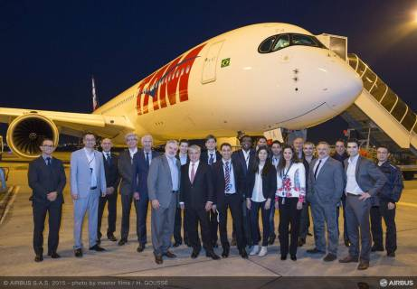 A350_XWB_DELIVERY_TO_TAM_AIRLINES-tarmac