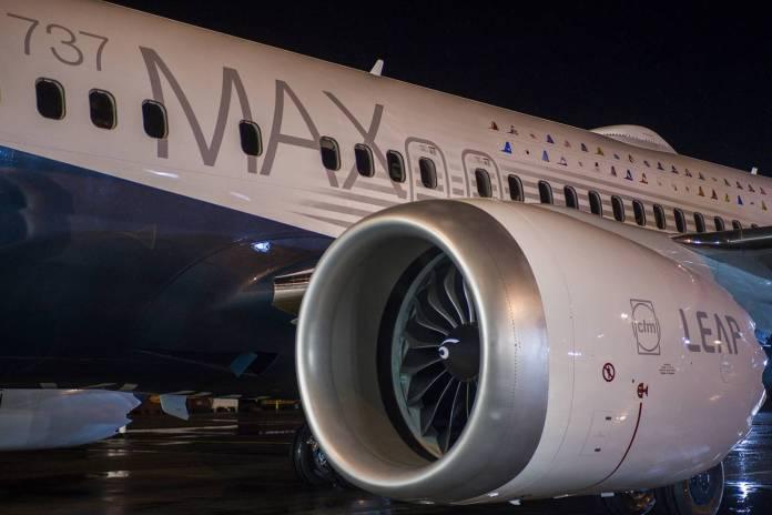 Em destaque motor LEAP, na pintura da fuselagem a bandeira das companhias que irá operar a aeronave no futuro.